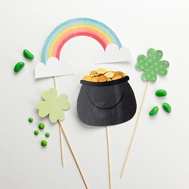 Dress up your guests for their St Patrick's Day party photographs with these free printables