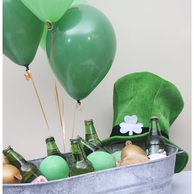 Turn your ice bucket into a balloon station for St Patrick's Day
