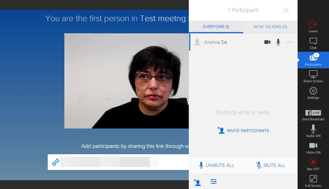 Access the settings to turn on and off the video and mic of the participants in your onSocial meeting